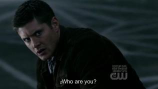 """""""Ngươi là ai?"""" - Kẻ này không phải người, không phải quỷ, vậy hắn là ai?"""