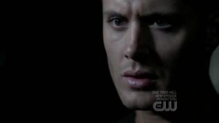 Mặt của Dean rõ ràng là không tin =)))