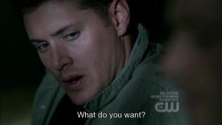 """Hai người đang ở trên cùng một cái giường, thế mà bạn Dean lại hỏi, """"Anh muốn gì?"""" =))))))"""