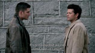 Cas giải thích với Dean rằng thiên thần có khả năng bẻ cong thời gian, mặc dù điều ấy cũng không dễ.