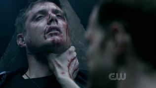 Đúng lúc hắn chuẩn bị giết Dean...