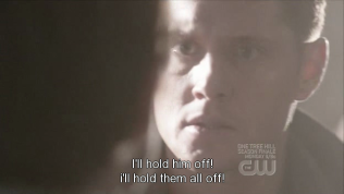 """""""Tôi sẽ giữ hắn lại! Tôi sẽ cầm chân tất cả bọn họ!"""" - Cas hét lên."""