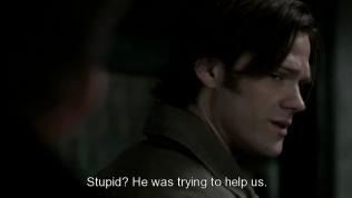 """""""Ngu ngốc? Anh ấy chỉ cố giúp chúng ta mà thôi."""" Sam nói,"""