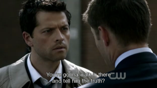"""""""Vậy là anh chỉ đơn giản bước vào đó và nói hết mọi thứ với anh ta?"""""""
