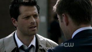 """""""Sao không?"""" =)))) Nhìn mặt Cas yêu quá đi ~"""