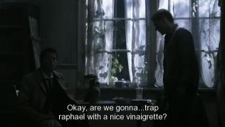 """""""Được rồi, chúng ta sẽ bẫy Raphael bằng cái hình dầu giấm này à? - Dean hỏi, nhìn cái bình mà Cas mang về từ Jerusalem."""