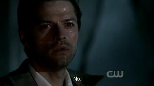 """""""Không."""" Cas bàng hoàng trả lời."""