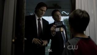 Tập này là một trong những tập tớ rất thích, vì sự xuất hiện của bé Jesse. Hai anh tới nhà bé điều tra, giơ thẻ FBI ra...