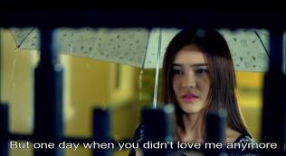 """""""Nhưng một ngày nọ cậu lại không còn yêu tôi nữa và biến mất."""""""