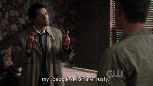 Và bây giờ Cas đã học được cái kiểu đưa hai tay lên ngoắc ngoắc cực kỳ dễ thương =)))