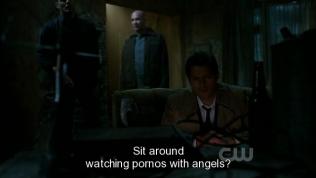 Ông ngoại của hai bạn Dean Sam xuất hiện, hỏi tụi bây đang xem phim con heo với thiên thần à? =)))