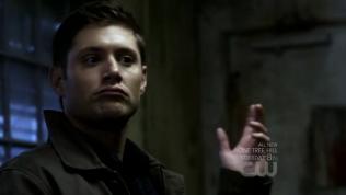 Và mặt cậu Dean hết sức khó đỡ =)))) (có người đang ghen~)