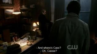 """Khi thấy Balthazar, Dean lập tức hỏi, """"Cas đâu?"""" Và Bal đáp, """"À, Cassie hả?"""" (mọi người còn nhớ ở season 1, mối tình đầu của Dean tên là gì không? Là Cassie đấy =)))) chẳng biết anh Bal có ý gì mà lại gọi Cas như thế~)"""