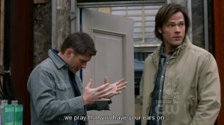 """""""...Chúng tôi hi vọng là anh đang nghe chúng tôi."""""""