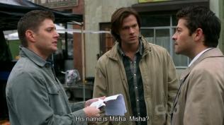 """""""Tên của anh ta là Misha. Misha?"""" Dean nhận xét =)))) (Chợt nhớ cái bài """"Tạm biệt búp bê thân yêu, tạm biệt gấu Misha nhé, tạm biệt thỏ trắng xinh xinh, mai em vào lớp 1 rồi ~~"""")"""