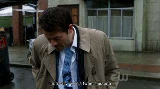 Và bạn Misha rất mê tweeting =)))))