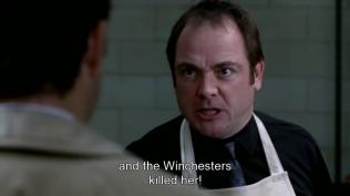 Crowley đang trách Cas là vì anh em Dean Sam đã giết Eve nên giờ quá trình tìm kiếm của họ càng thêm khó khăn.