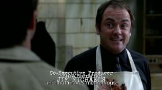 """Crowley cảnh cáo, """"Cậu đang bị phân tán và điều đó làm cho tôi lo lắng đấy."""" (Well, phân tán gì ai thì mọi người cũng hiểu rồi đấy =)))*)"""