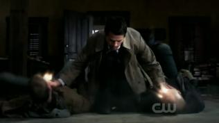 Sau đó Cas đi giết người/demon diệt khẩu. Khi nhóm của Dean tới thì đã không còn dấu vết