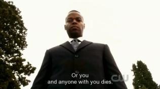 """""""Nếu không ngươi và bất kỳ ai bên cạnh ngươi sẽ chết."""" Rap đe dọa."""